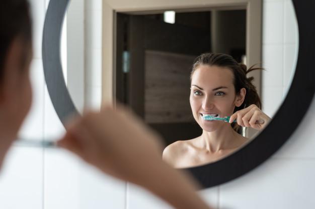 mycie zębów ważne w ciąży
